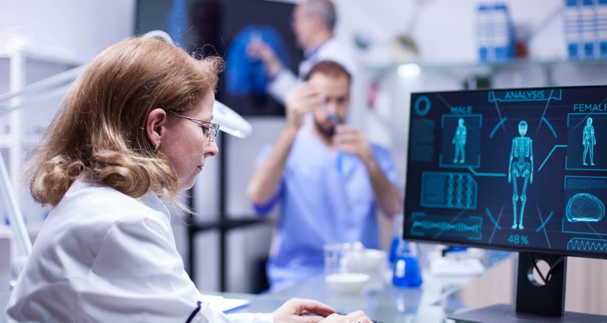 https://www.smedix.com/production/wp-content/uploads/2020/11/woman-working-with-a-computer-in-a-medical-science-facility-1200x640.jpg
